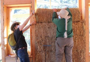 Collaborative Strawbale House Raising